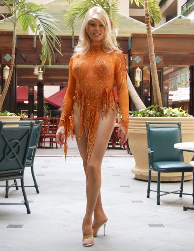 Leggy ShowGirl TSDee of Toronto gets ready for her stunning performance