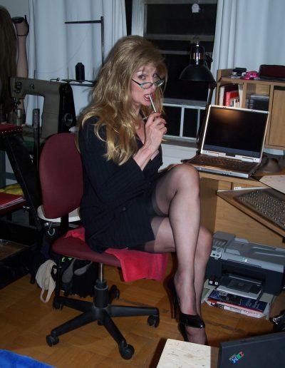 Nympho Secretary Miss Double D TSDee.com
