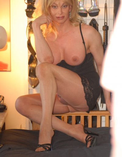 TSDee.com Perfect Tits & Shimmery Legs DSC 0172