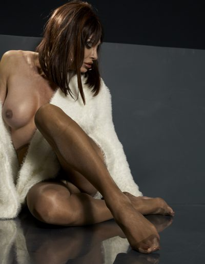 TSDee Shimmery Panty Hose On Floor With Fur 280 Stretch