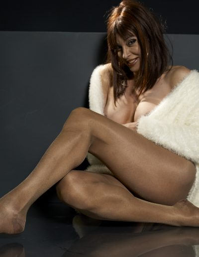 TSDee Shimmery Panty Hose On Floor With Fur 288