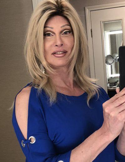 TSDee Bathroom Blonde Blue Peek Shoulder Top IMG 1007 800