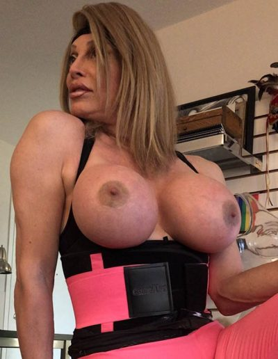 TSDee.com Pink Yoga Pants Pink Corset IMG 2339