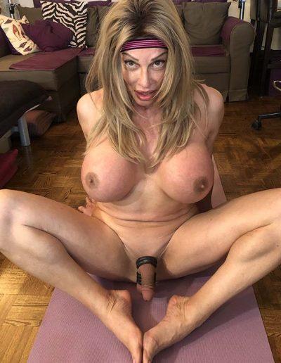 TSDee.com Naked Yoga IMG 2511