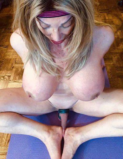 TSDee.com Naked Yoga IMG 2515