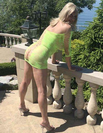 TSDee.com Lime Green Dress At Pool IMG 3097