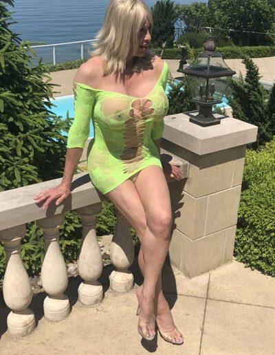 TSDee.com Lime Green Dress At Pool IMG 3099