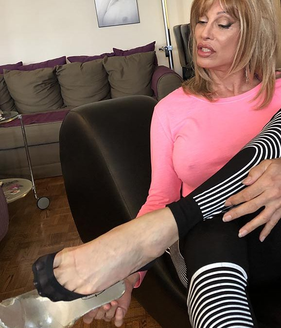 Foot Fetish: My Trainers Loves My Stinky Sweaty Feet